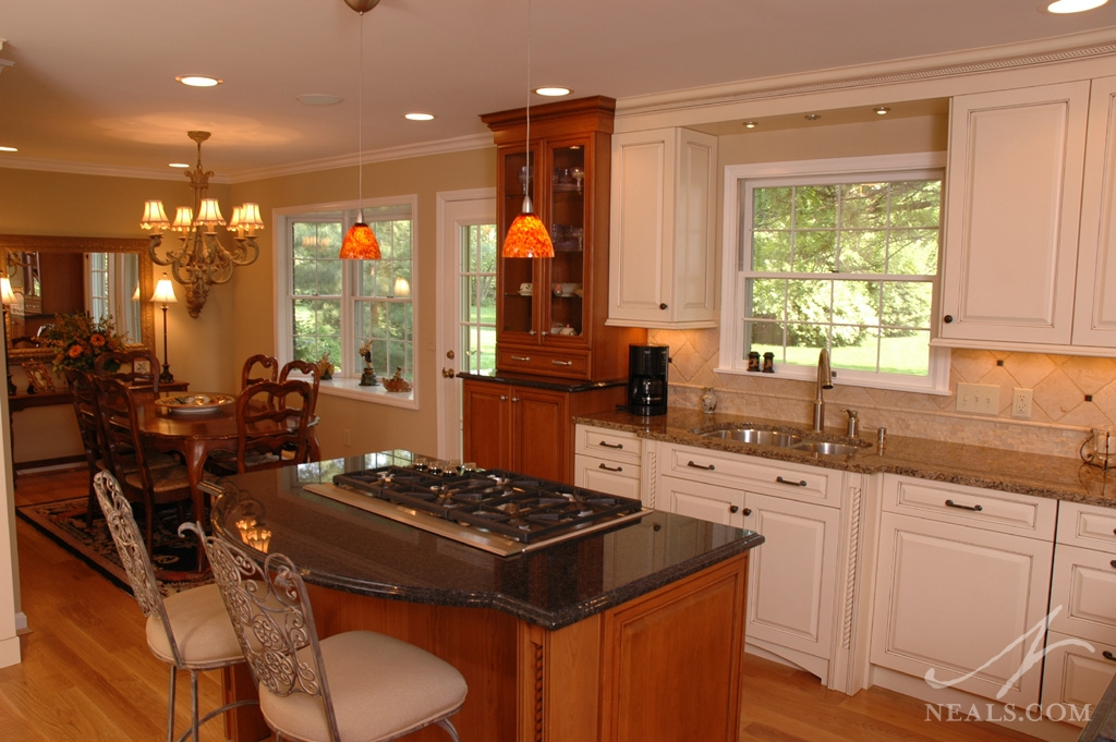 An open & elegant kitchen remodel in Montgomery, Ohio.