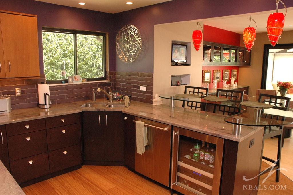 An artistic contemporary kitchen in Anderson Township, Ohio.
