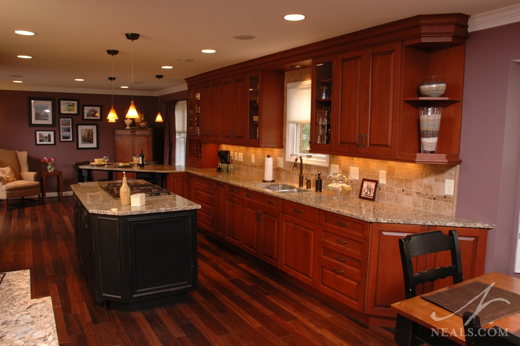 Open Traditional Kitchen