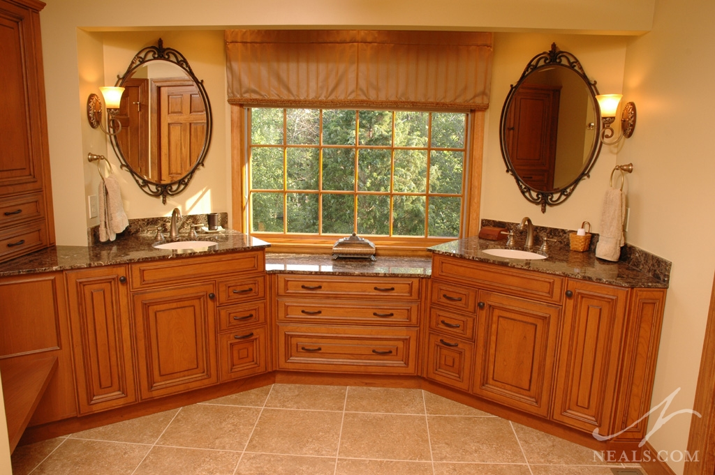 Custom Double Vanity In Master Bathroom Shower