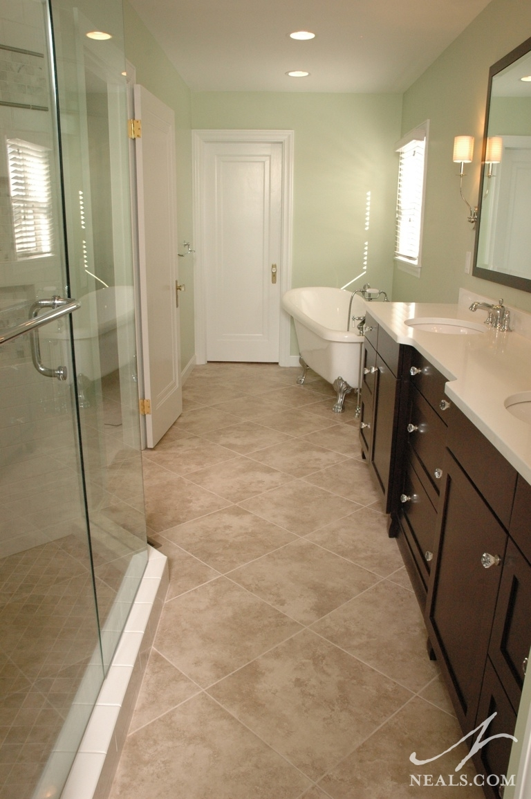 classic bathroom in a narrow space - Bathroom Ideas Long Narrow Space