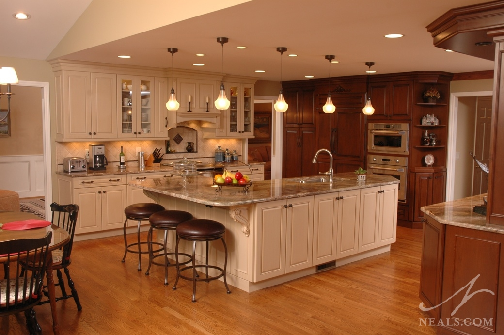 Two-Color Traditional Kitchen